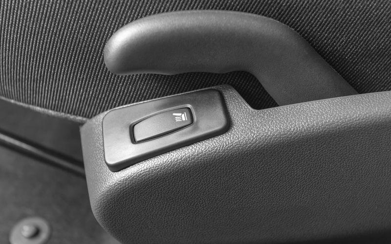 Обзор LADA Largus универсал CNG : фотографии интерьера и экстерьера авто