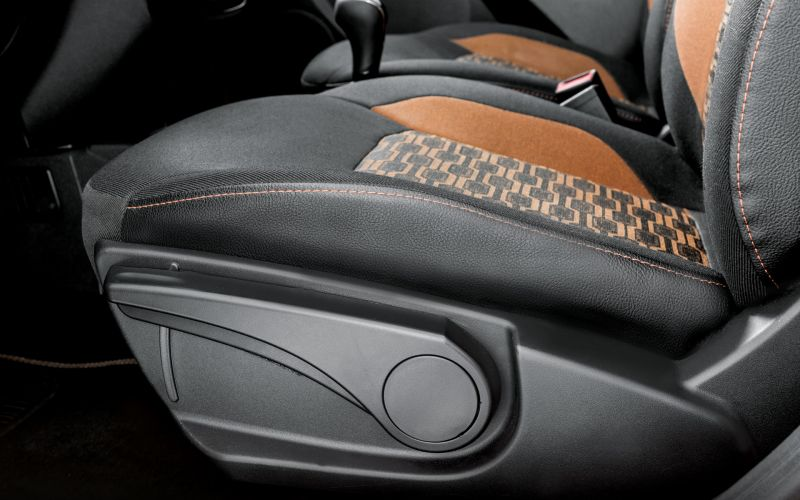 Обзор LADA Granta Cross: фотографии интерьера и экстерьера авто