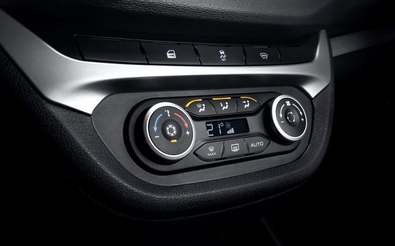 Обзор LADA Vesta седан: фотографии интерьера и экстерьера авто