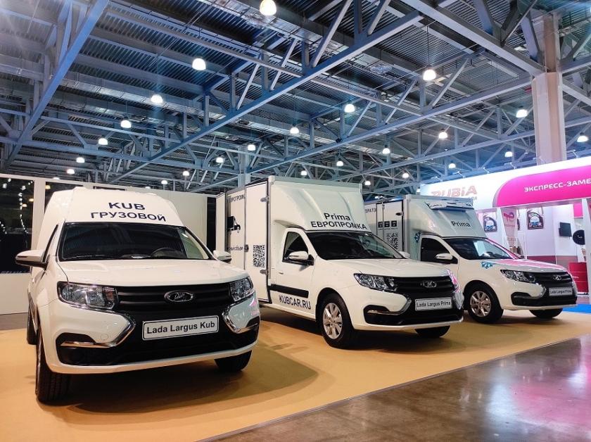 Автомобили LADA на выставке COMTRANS 2021