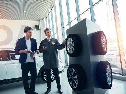 Дарим сезонное хранение колес