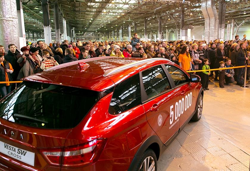 ''LADA Ижевск'' выпустил 5-миллионный автомобиль