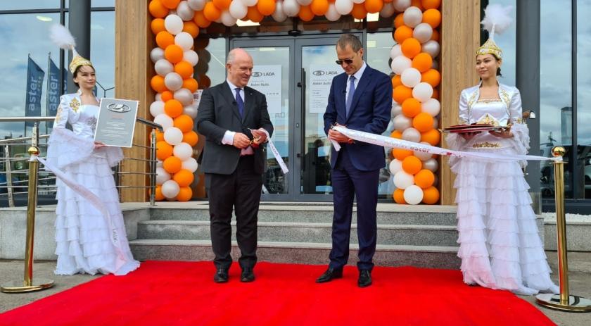 LADA: новый дилерский центр в Казахстане