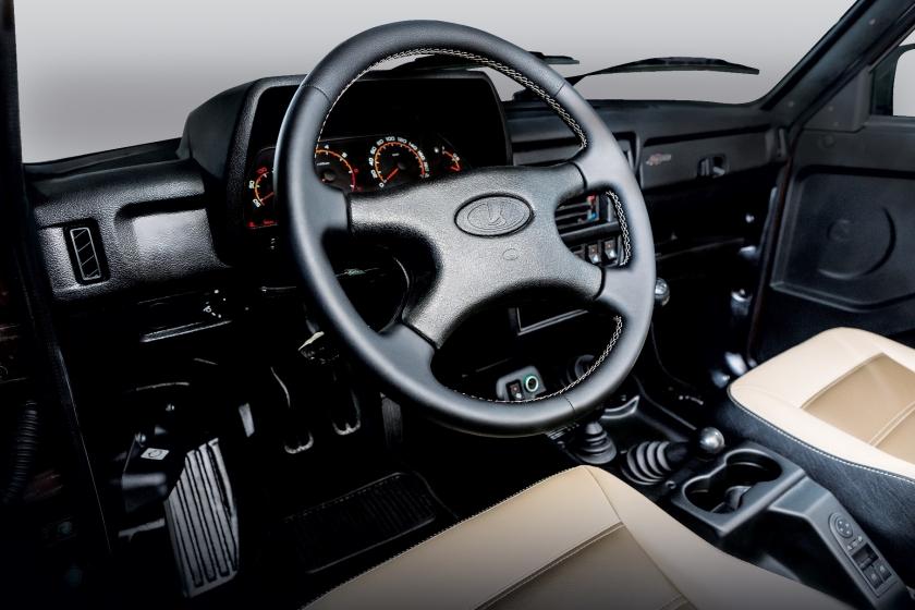 В России стартовали продажи юбилейной серии LADA 4х4 ''40 Anniversary''