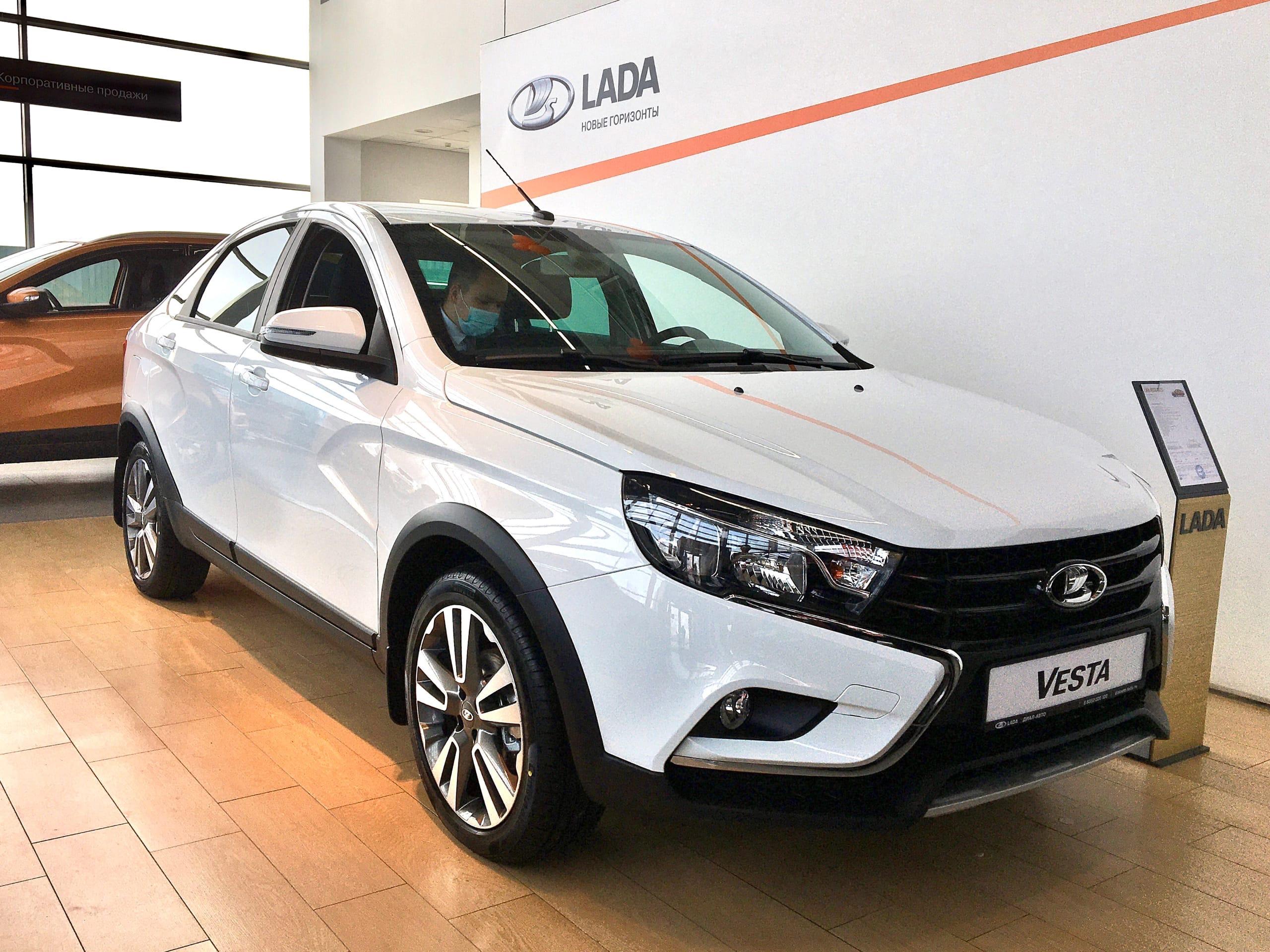 Cтарт продаж автомобилей LADA с новой мультимедийной системой LADA EnjoY Pro