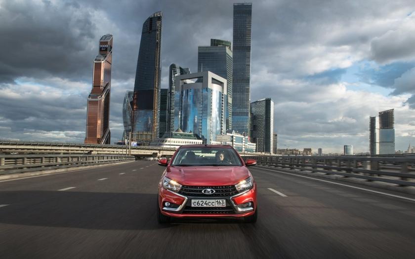 LADA Vesta и LADA XRAY авторизованы для использования в системе Яндекс. Такси во всех регионах России