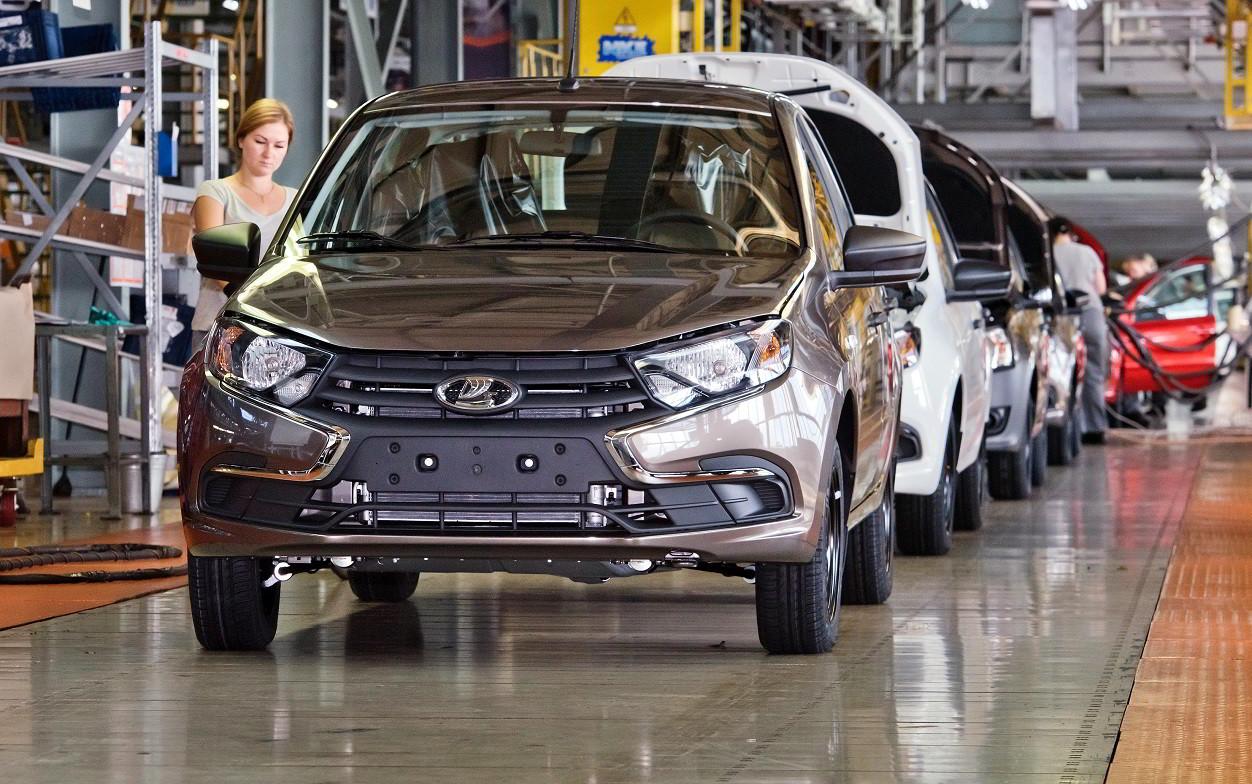 АвтоВАЗ возобновит производство моделей LADA Granta и Niva 2-3 сентября