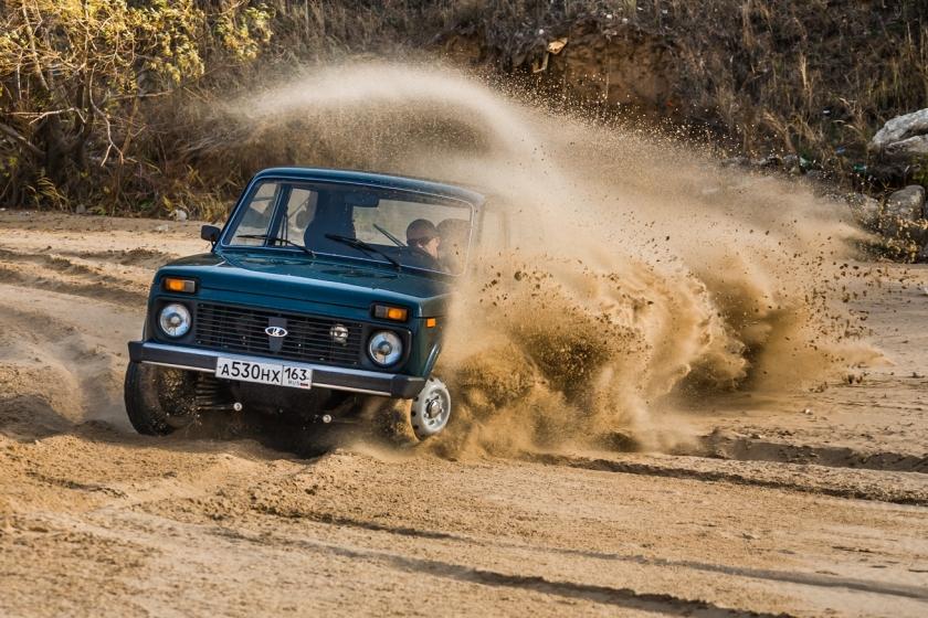Автомобиль - легенда: юбилейная LADA 4х4 ''Камуфляж'' и фестиваль для поклонников модели