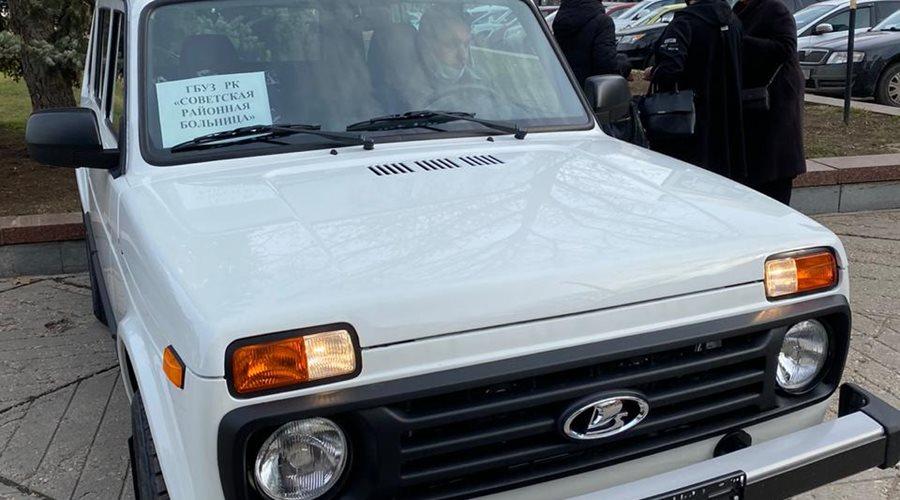 Районные больницы и поликлиники Крыма получат 36 автомобилей LADA